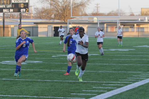 Girls' Soccer Team Finishes Season in Playoffs