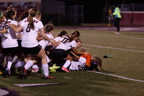 Girls' Soccer Advances to Round 3