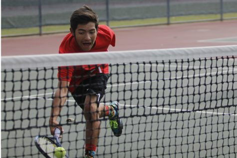 Tennis Defeats Burleson, Advances to Round 2