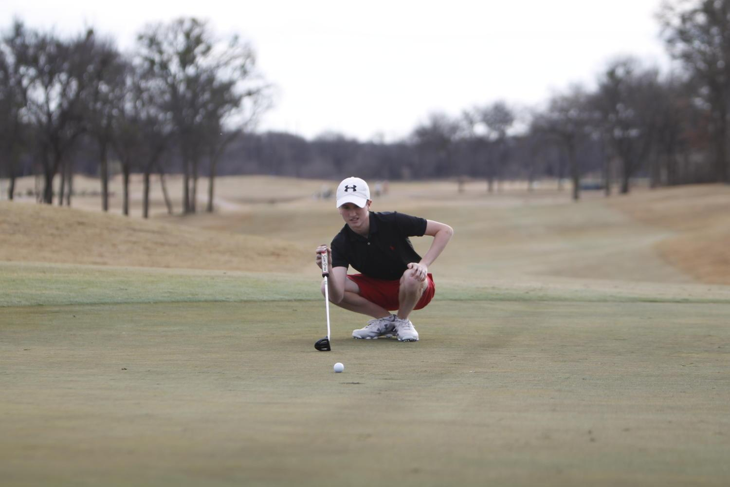 Varsity Golf Tees Up for Playoff Run