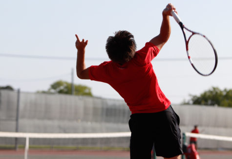 Tennis Undefeated in District: Focuses on Playoffs